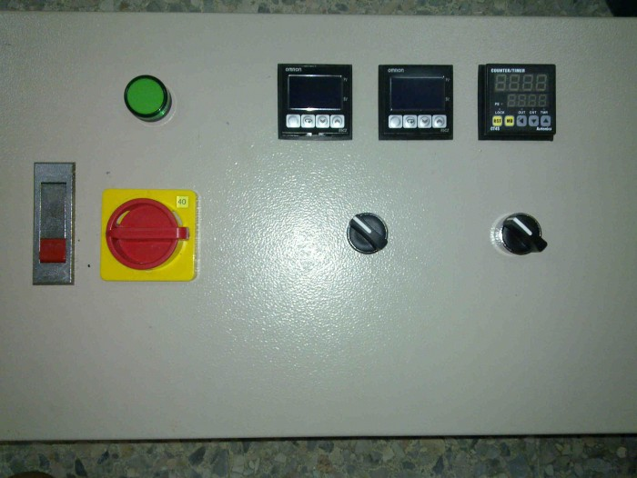 temp co<em></em>ntrol panel for electro<em></em>nic factory3