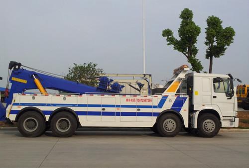 中国重汽拖吊联体清障车 大型清障车 重型清障车